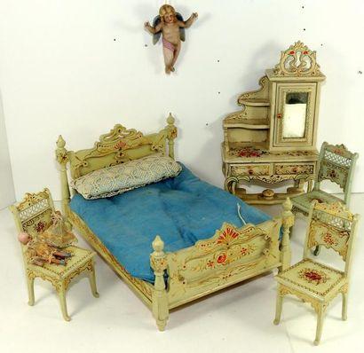 Mobilier de chambre à coucher en bois peint,...