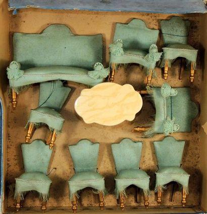 Ensemble de mobilier de mignonettes en bois...