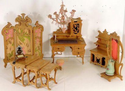 Ensemble de mobilier de mignonettes Art Nouveau,...