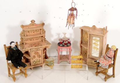 Mobilier de salon, en bois peint rehaussé...