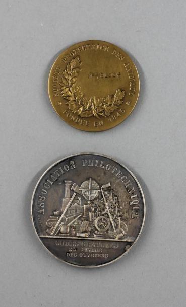 Deux médailles en bronze : SPA et prix de...