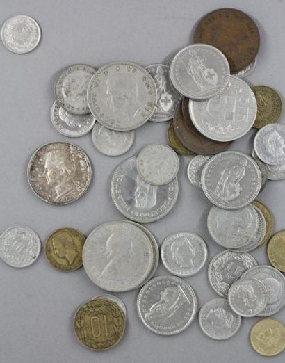 Lot de pièces de monnaies en métal divers...