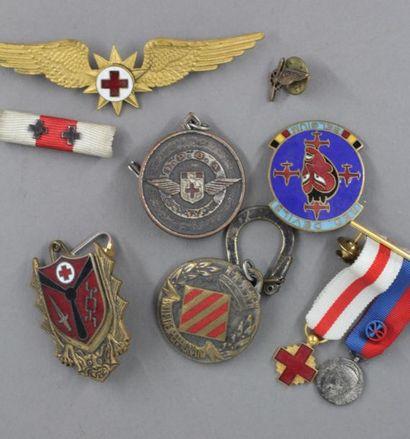 *Insignes militaires, médailles miniatures...