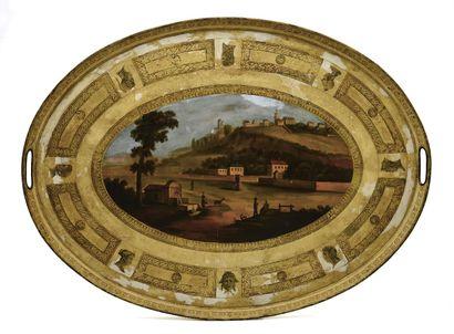 Important plateau ovale à décor peint de...