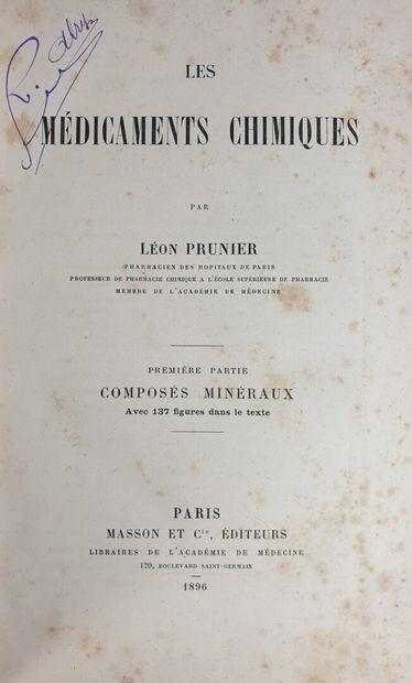 Lot d'ouvrages sur le thème de la chimie comprenant :  - PRUNIER Léon, Les médicaments...