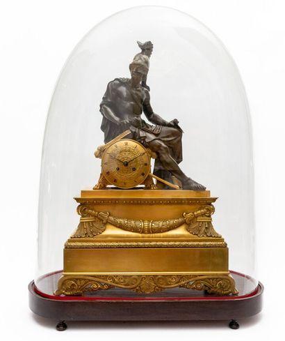 Importante pendule en bronze doré et patiné...