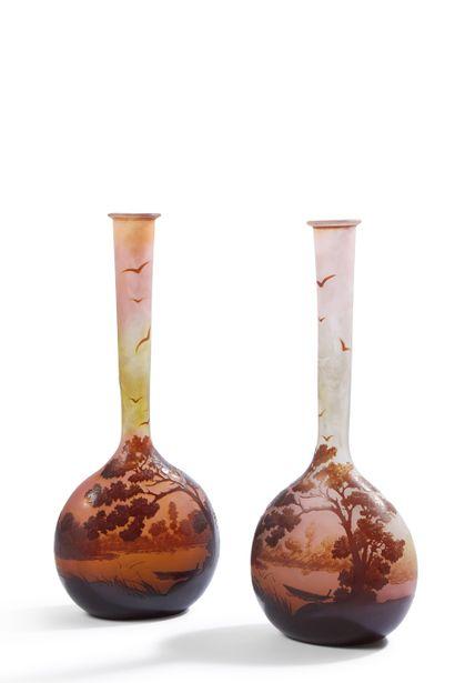 ETABLISSEMENTS GALLE (1904-1936)  Deux vases...