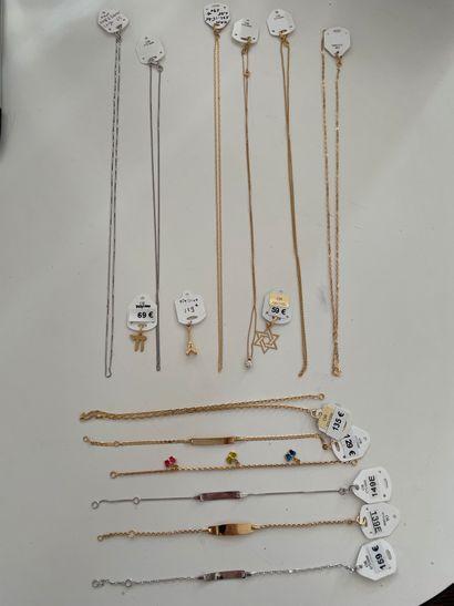 * Lot de bijoux en or jaune 9K 375/000 et...