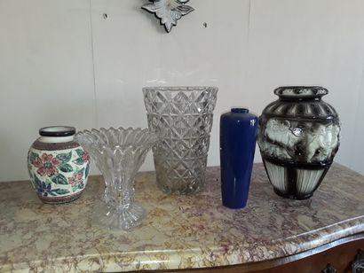 * Lot de vases