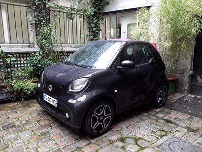 VP SMART FORTWO CABR de couleur Noire  Carburant...