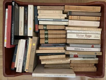 * Lot de livres modernes, littérature autour...