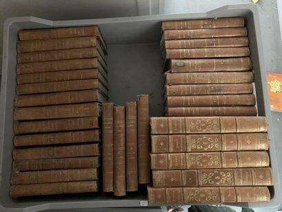 * Lot de livres anciens dont V. Hugo, La...