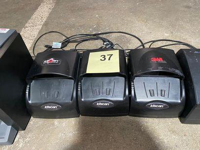 3 SCANNERS 3M pour documents d'identité