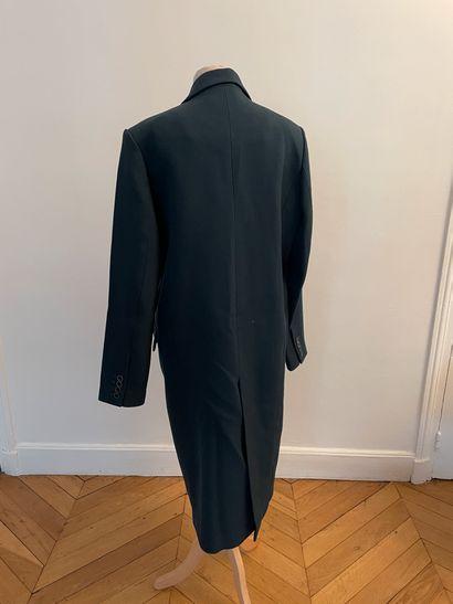 NECESSITY SENSE  Long manteau d'homme en laine vert foncé.  T.M  Largeur aux épaules...