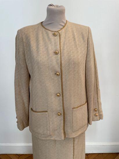 CHANEL boutique  Tailleur composé d'une veste...