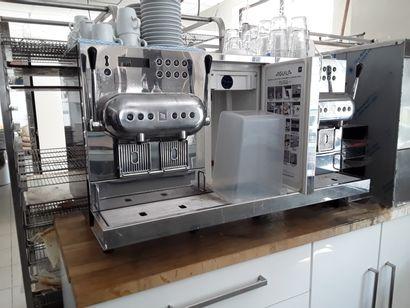 * Machine à café NESPRESSO AGUILA