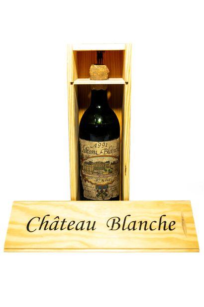 Une bouteille de Château Blanche  Millésime 1991    Le nectar trentenaire du mythique...