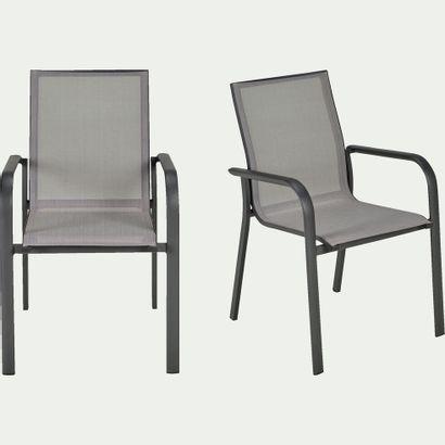 5 x Chaise de jardin  Prix public : 495 €...