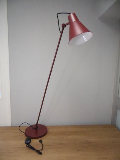 1 x Lampadaire Rouge sumac H140cm L45cm  Prix...