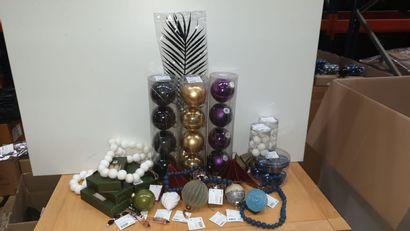 1 x Lot de décorations de Noel  Prix public...