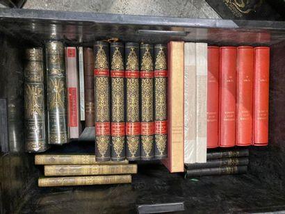 [Histoire]. LOT de deux caisses de documentations et de livres reliés et brochés