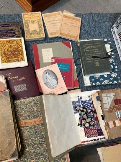 [Documentation. Textile]. [Documentation. Textile]. Lot d'ouvrages de documentation...
