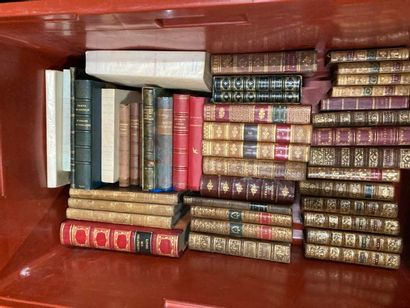 Littérature. 3 CAISSES de livres reliés ou brochés, XVIIIe au XXe
