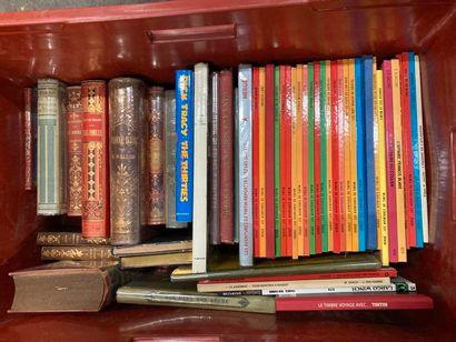 [Enfantina et bandes dessinées]. LOT de trois caisses de documentations et de livres...