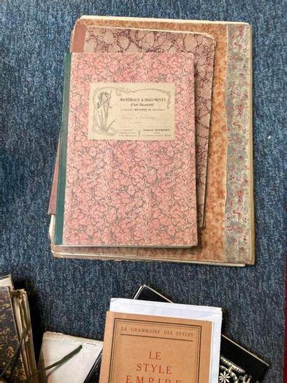 [Documentation. Arts décoratifs]. [Documentation. Arts décoratifs]. Lot d'ouvrages...