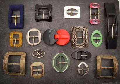 LOT diversifié de boucle de ceinture en métal,...