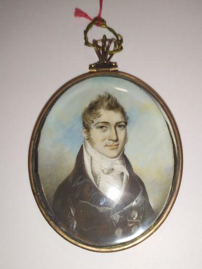 Portrait d'homme à redingote  Miniature ovale....