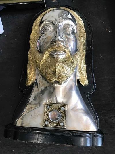 Reliquaire représentant Jésus Christ en métal...