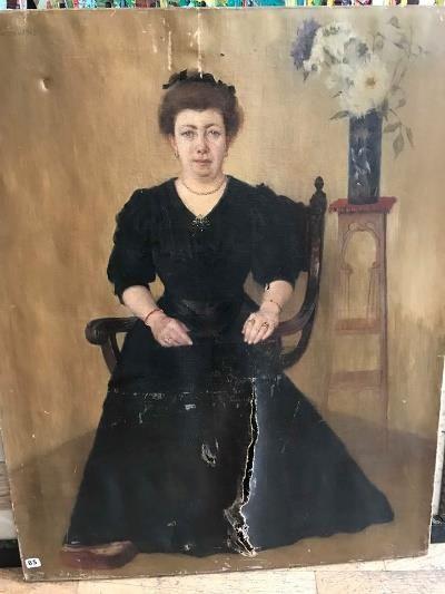 FOSSA-CALDERON  Portrait de femme assise...