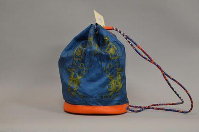 HERMES  sac modèle Soie Cool, en soie imprimée...
