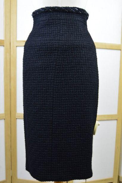 CHANEL  Jupe crayon taille haute en tweed...