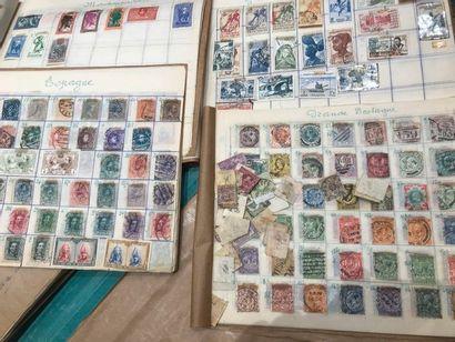 Un lot de timbres du monde, période classique...