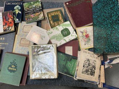 [Documentation. Fleurs, Flore]. Lot d'ouvrages...