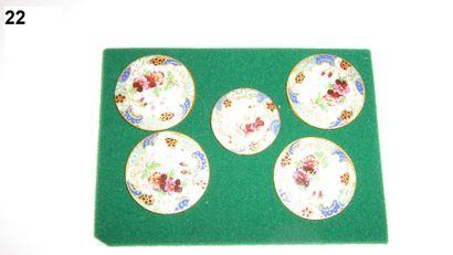 5 boutons émail sur cuivre à décor de fleurs...