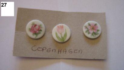 3 boutons en porcelaine de Copenhague à décor...