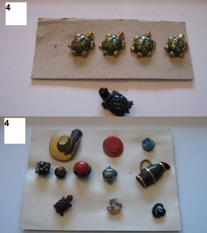 4 boutons tortues en céramique et 1 en plastique....