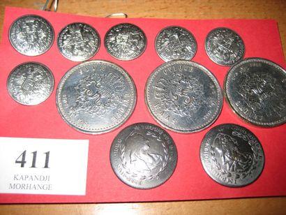 6 boutons en métal estampé Armoiries