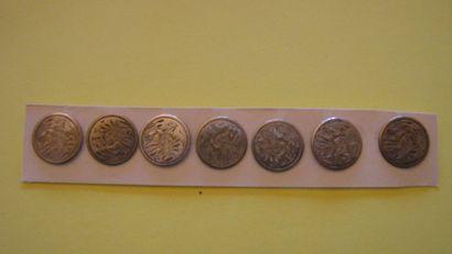 7 boutons en métal