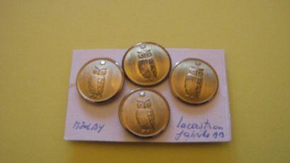 4 boutons en métal doré