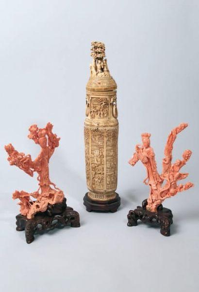 Sculptures en corail et ivoire