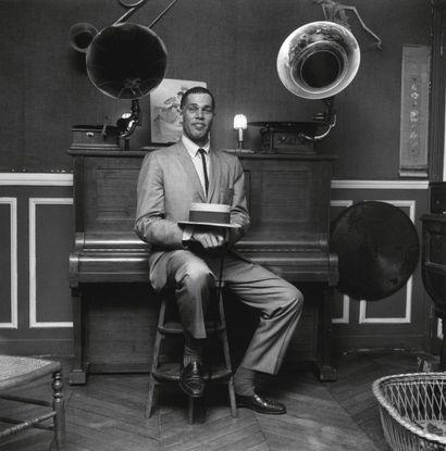 DEXTER GORDON  Séance photo à Paris, le 30...