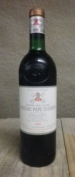 1 Bouteille Château Pape Clément, 1983  Niveau...