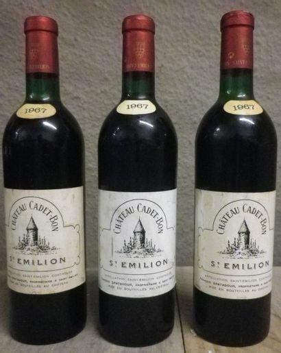 3 Bouteilles Château Cadet Bon, 1967  Etiquette...