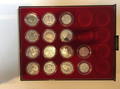 Ensemble de pièces commémoratives de 2000...
