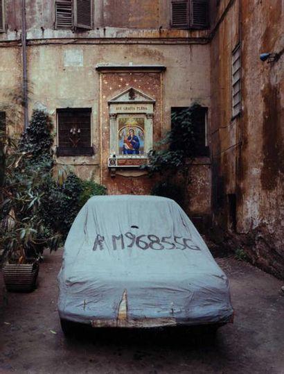 Michael EASTMAN (né en 1947) Car in front...