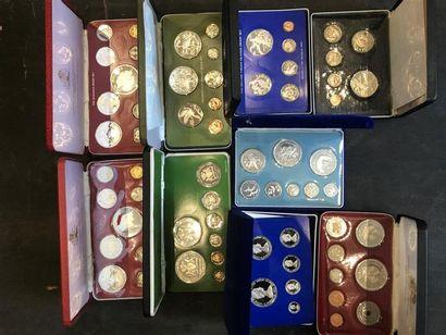Lot de set de pièces comprenant. : -FIRST...
